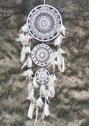 ručně vyrobený lapač snů bílý tři kruhy 95 cm