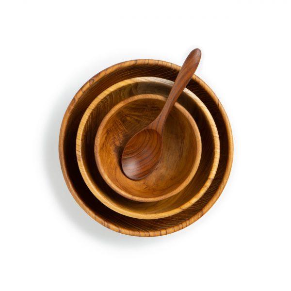 přírodní misky z teakového dřeva s polévkovou lžící