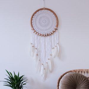 ručně vyrobený lapač snů bílý v bambusovém kruhu 100cm detail