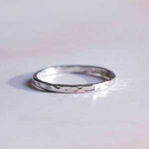 Stříbrný prsten Melting z limitované kolekce stříbrných šperků z Bali