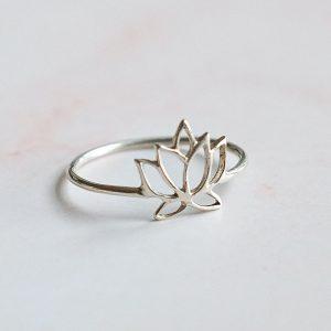 Stříbrný prsten Lotos