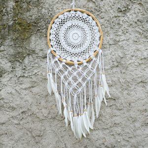 ručně vyrobený lapač snů ratanový s macramé 85cm detail