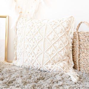 Ručně vyrobený macramé polštář Dreamland z Bali