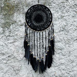 ručně vyrobený lapač snů černý s korálkama 80cm
