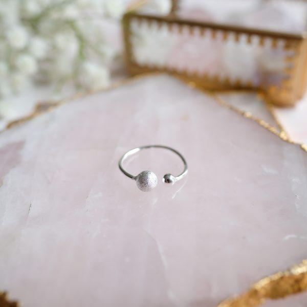 Stříbrný prsten Double Love ideální na EU velikost 52 – 55
