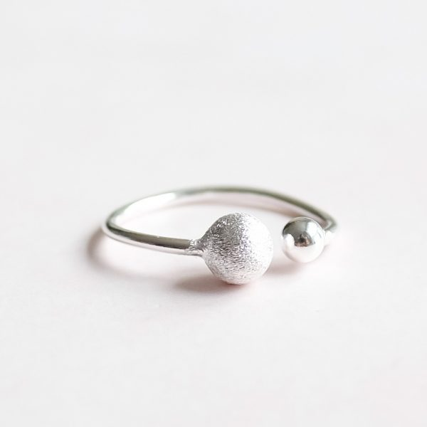 Stříbrný prsten Double Love navržený s citem pro design a kvalitu