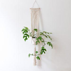 ručně vyrobený závěsný květináč macramé Ubud