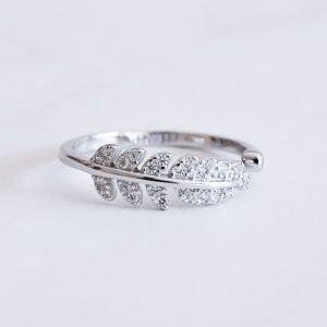 Stříbrný prsten Leaf