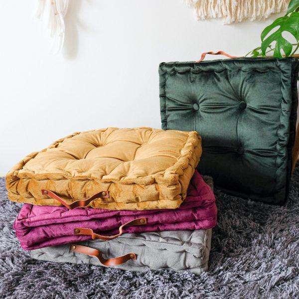 čtvercové polštáře na meditaci, na sezení nebo na cesty