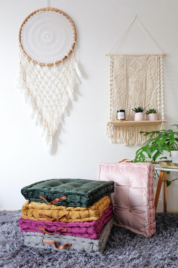hranaté meditační polštáře s designovými úchyty
