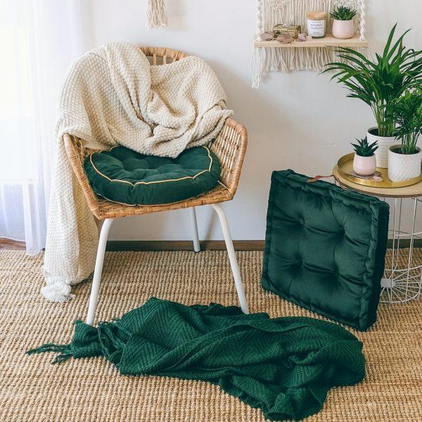 Měkký nadýchaný polštář tmavě zelený hranatý
