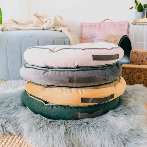 kulaté meditační polštáře v mnoha barevných odstínech