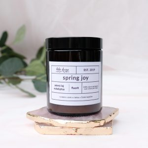 Sójová svíčka SPRING JOY s vůní esenciálních olejů eukalyptu a zeleného čaje
