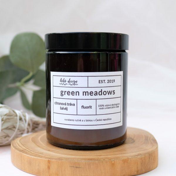 Sójová svíčka GREEN MEADOWS s vůní citrónové trávy a šalvěje
