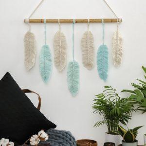 Ručně vyrobená dekorace na zeď macramé Feathers We Love Mint