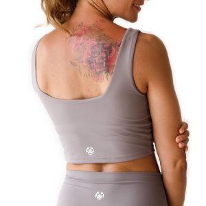 Top na jógu Nude z aktivního materiálu skvěle odvádí pot