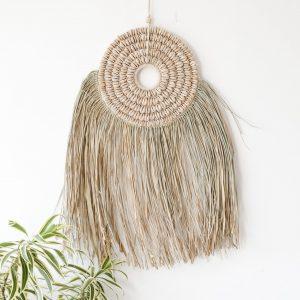 zavesna-dekorace-na-zed-trava-musle-boho-styl-detail