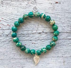 naramek-z-mineralnich-kamenu-jaspis-zelena-barva
