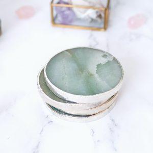 originalni-bytovy-doplnek-podtacek-kamen-Aventurin-zelena-barva-desegn-detail